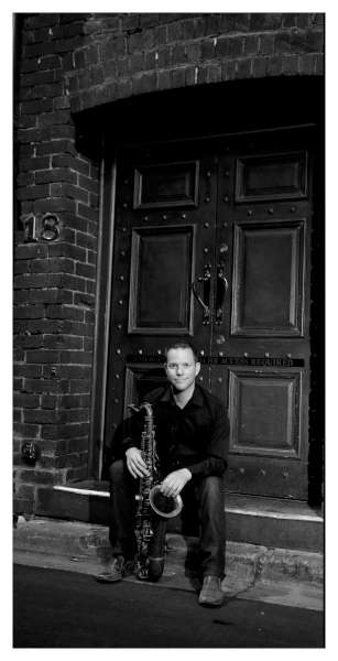 Paul Van Ross_doorway_bw-600