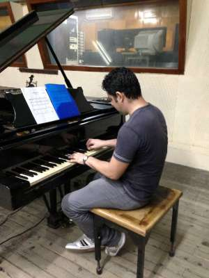 Alehjandro Falcon piano